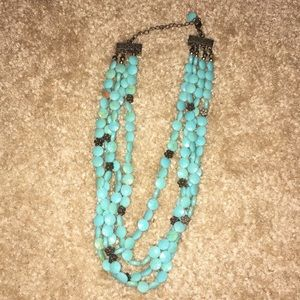 Mutistrand turquoise short necklace